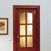 Casa cerca de la colina instalacion de puertas wengue precios for Precio instalacion puertas interior